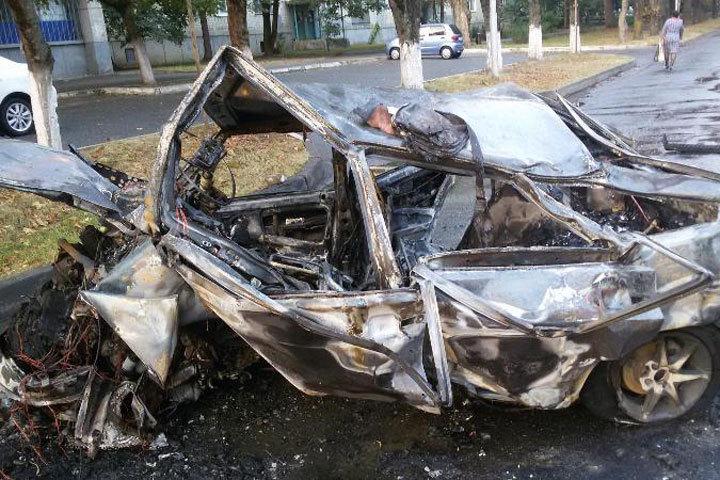 ВСтаврополе в итоге ночных катаний сгорел автомобиль