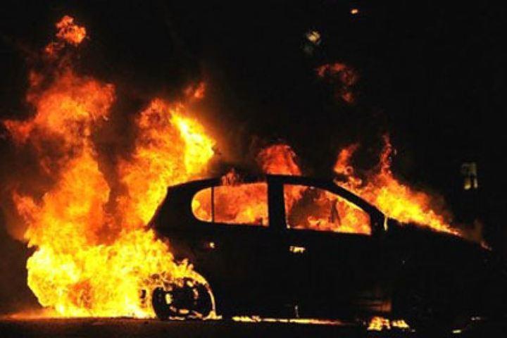 Петербург: Наулице Орджоникидзе полыхали сразу 5 авто