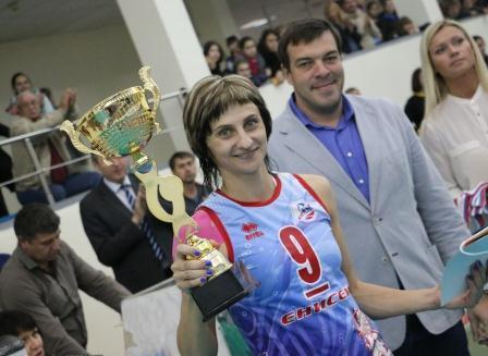 Женский волейбольный «Енисей» 2-ой год подряд выигрывает Кубок Сибири иДальнего Востока
