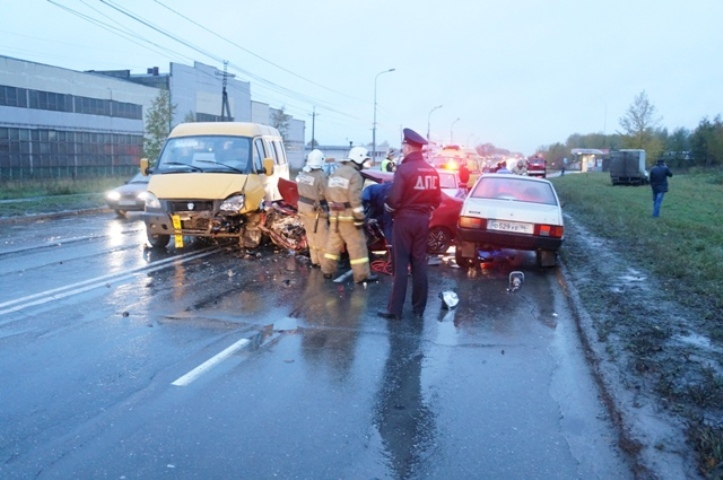 Смертельное ДТП наВосточном шоссе: вНижнем Тагиле столкнулись 5 авто