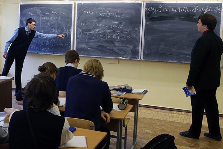 На первом месте оказался Санкт-Петербургский Президентский физико-математический лицей №239. Фото: Александр Демьянчук/ТАСС