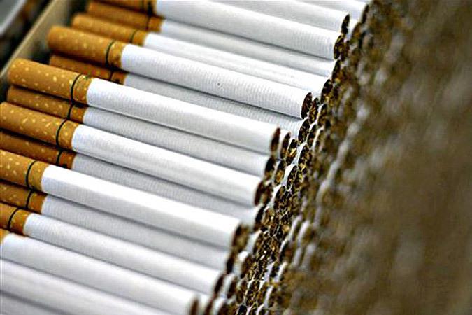 Эстонские пограничники задержали шесть ящиков сигарет с белорусскими акцизными марками. Фото: с сайта bfm.ru