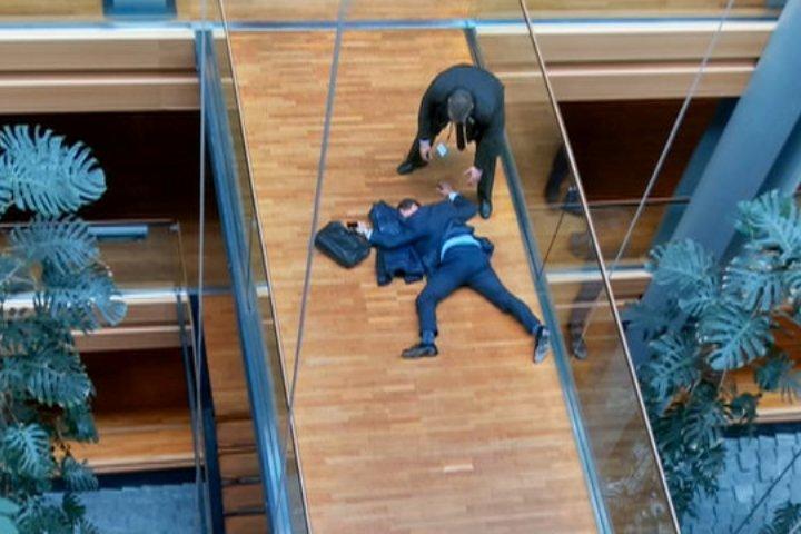 Стивен Вулф потерял сознание после драки с однопартийцем во время съезда UKIP в Страсбурге