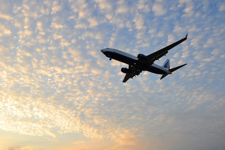 Лайнер, принадлежащий российской авиакомпании «Таймырские авиалинии», следовал из греческого Ираклиона в Москву.