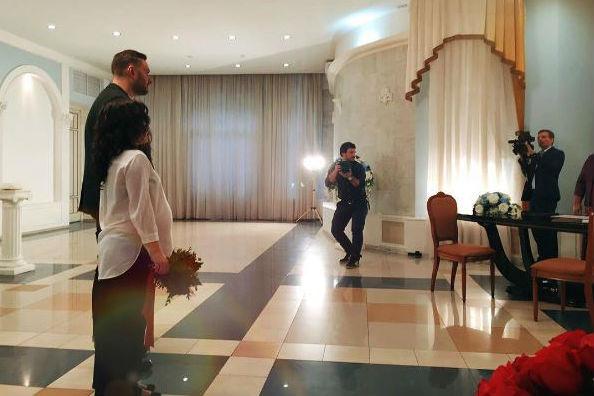 ВТаганском ЗАГСе состоялась церемония бракосочетания Филиппа Васильева с его возлюбленной Марией Болонкиной. Фото - https://www.instagram.com/bolonkina/