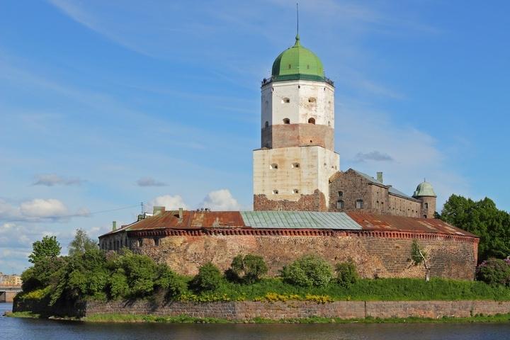 Фото: Wikipedia. Выборгский замок - одна из жемчужин Карельского перешейка