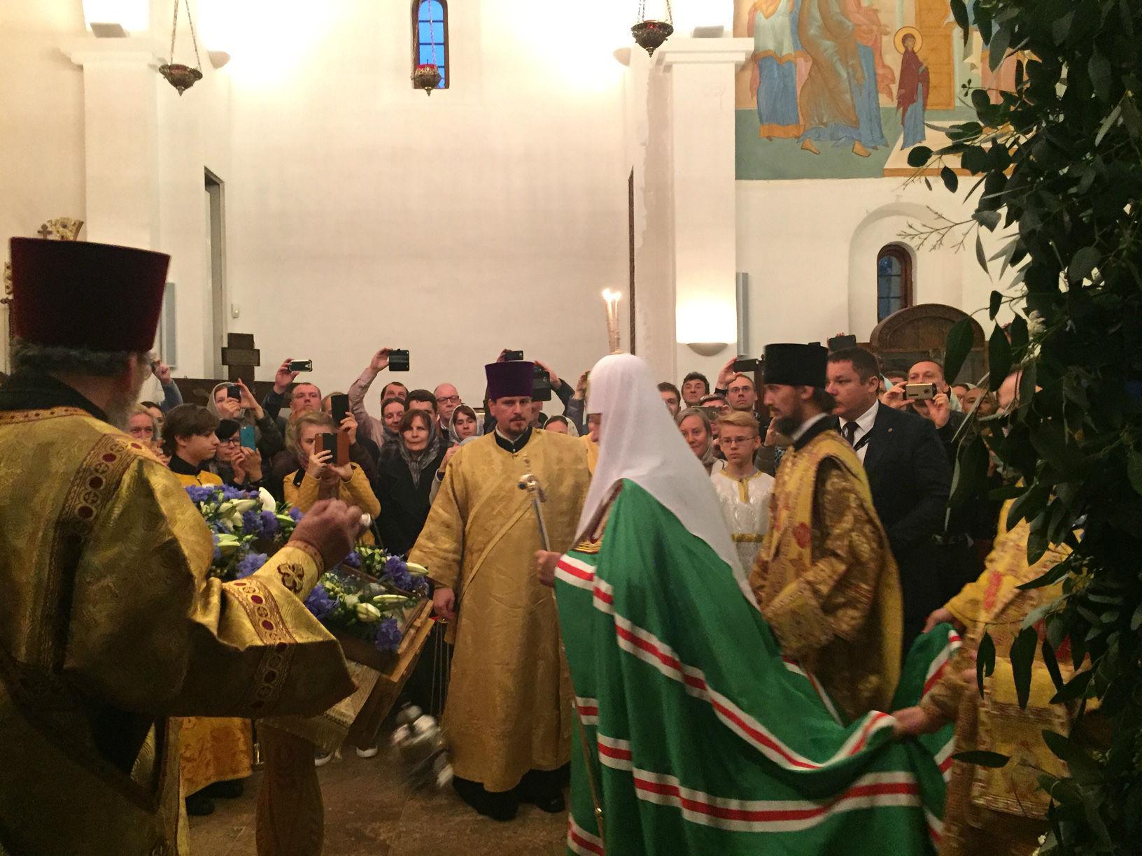 Патриарх Кирилл заявил, что не делит приходы на «свои» и зарубежные.