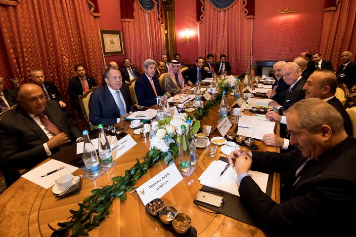 Накануне главы МИД России и США провели встречу в Лозанне