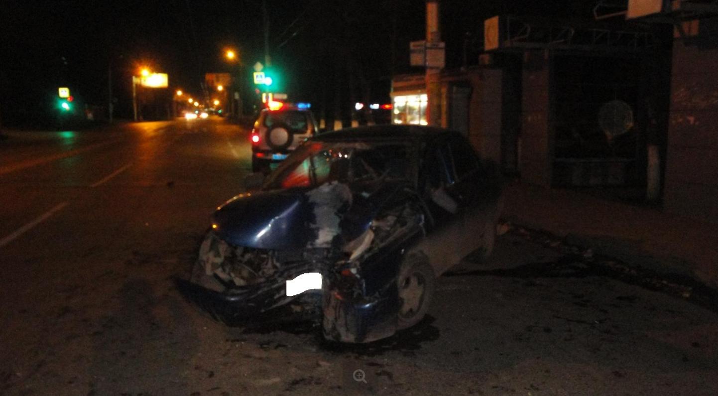 ВУфе нетрезвый шофёр врезался вэлектроопору
