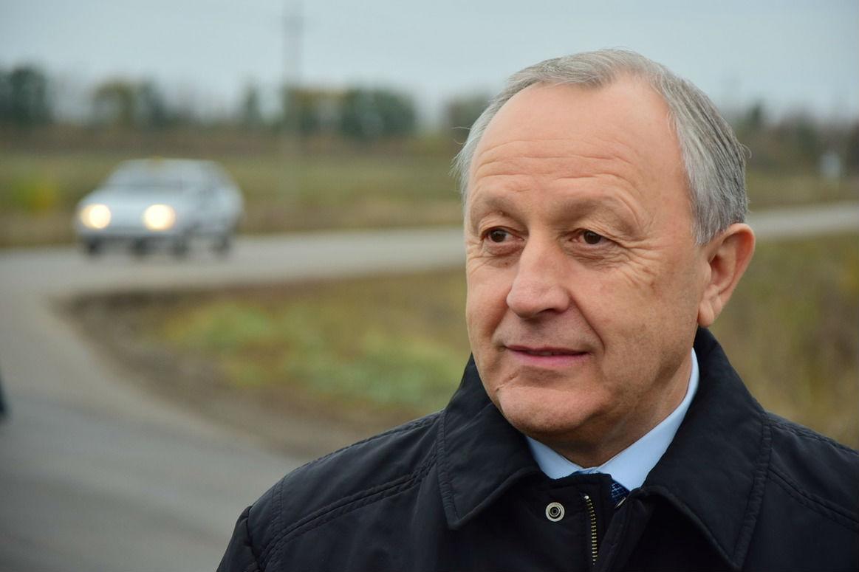ВРтищевском районе области отремонтировали дорогу
