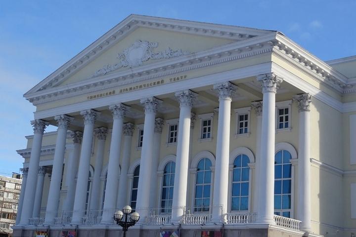 ВТюмени открылась выставка театрального кинорежиссера Чернядева
