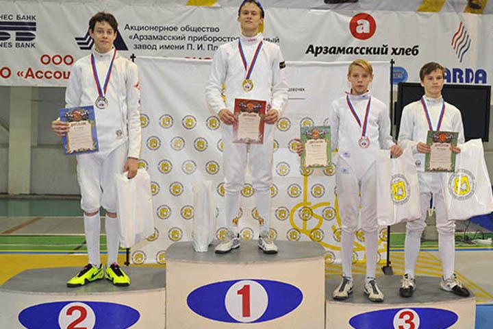 Курский рапирист одержал победу «золото» главенства Российской Федерации