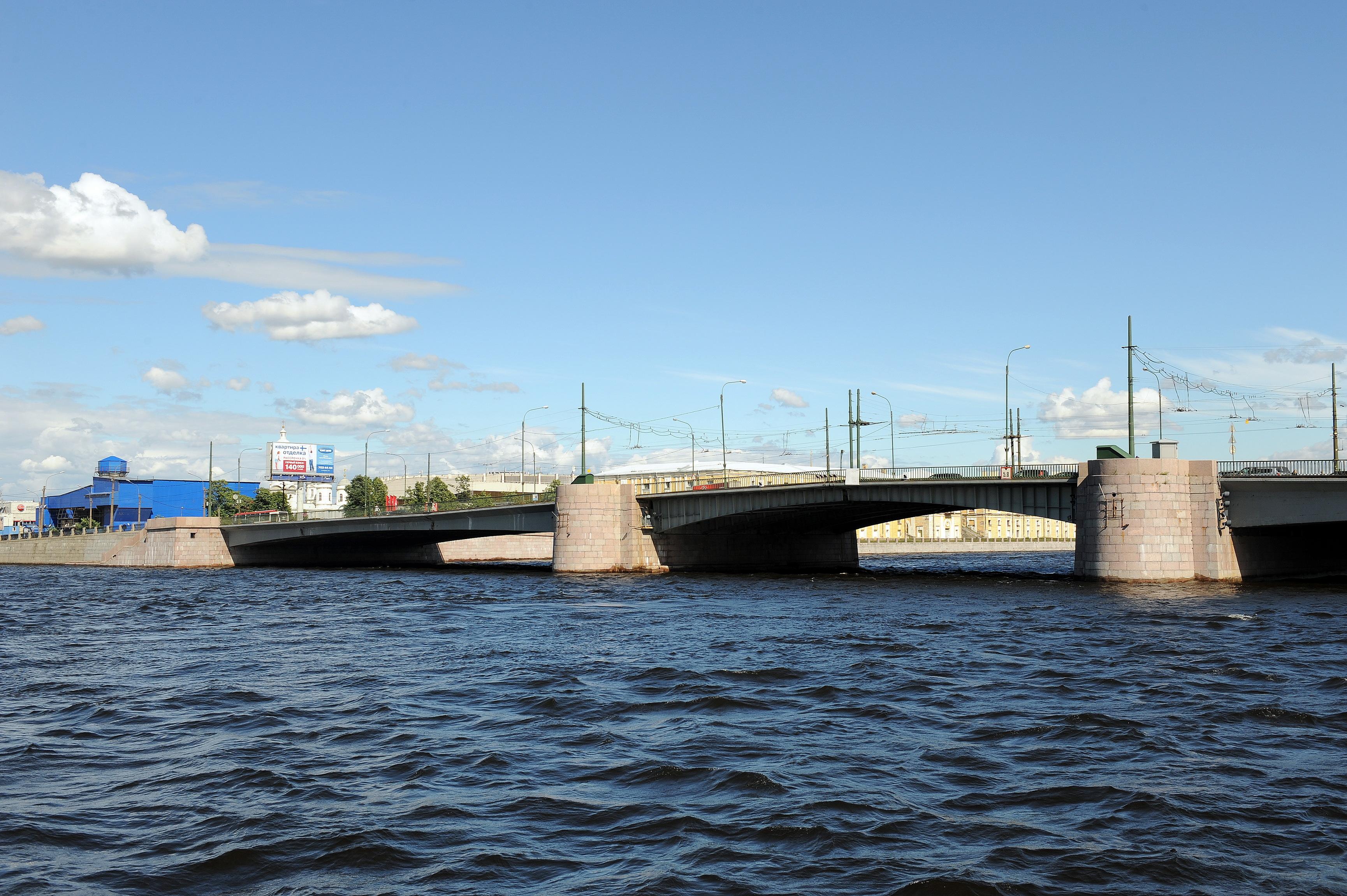 Тучков мост будут закрывать ночами весь ноябрь