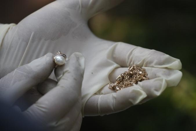 ВТомске сотрудница милиции сдавала вломбард вещдоки
