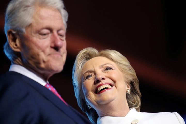 В конце октября ФБР заявило, что обнаружило новые письма Хиллари, а затем опубликовало текст расследования 2011-го года по делу Билла