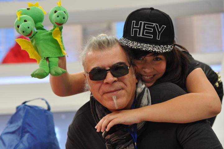 """Музыкант Андрей Давидян и его дочь Катя на съемках шоу """"Голос. Дети"""""""