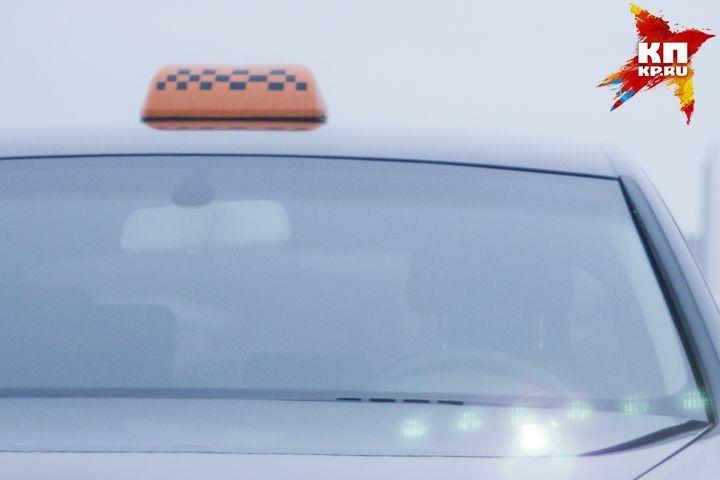 ВБерезовском пассажиры такси «Три десятки» сломали нос шоферу иугнали машину