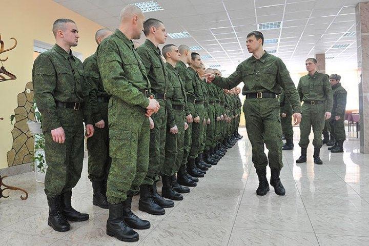 «Дедовщина» в армии заставила его покинуть пределы части.