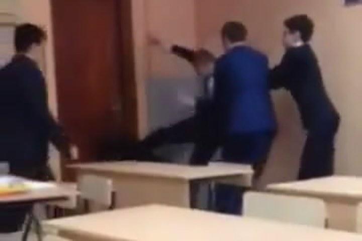 """Школьник-каратист, избивший одноклассницу в Иркутске: """"Она меня довела"""""""