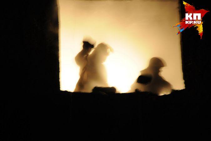 ВНовосибирске мужчина рискнул жизнью, поджигая родственников