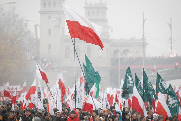 Накануне в Варшаве на митинг, приуроченный ко Дню независимости Польши, пришли 100 тысяч человек