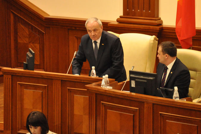 Беспартийного Николая Тимофти сменит на посту президента уже бывший лидер ПСРМ Игорь Додон