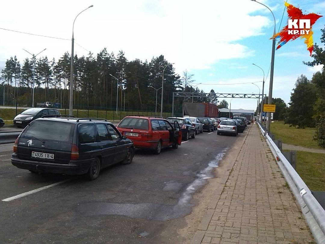 Один раз втрое суток: Польша ограничила заезд авто сполным баком