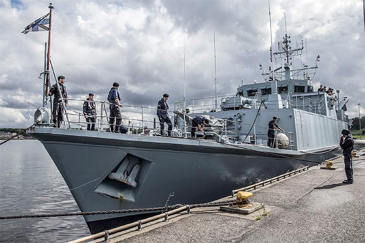 Впарламенте Эстонии призвали привлечь кответственности перевозчиков контрабанды накорабле ВМФ