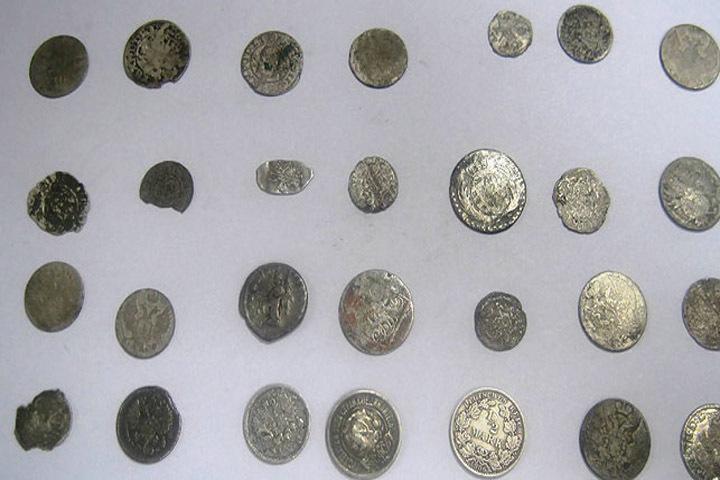 Брестские таможенники на границе изъяли редкие монеты ХV-XX веков Фото:Брестской таможни