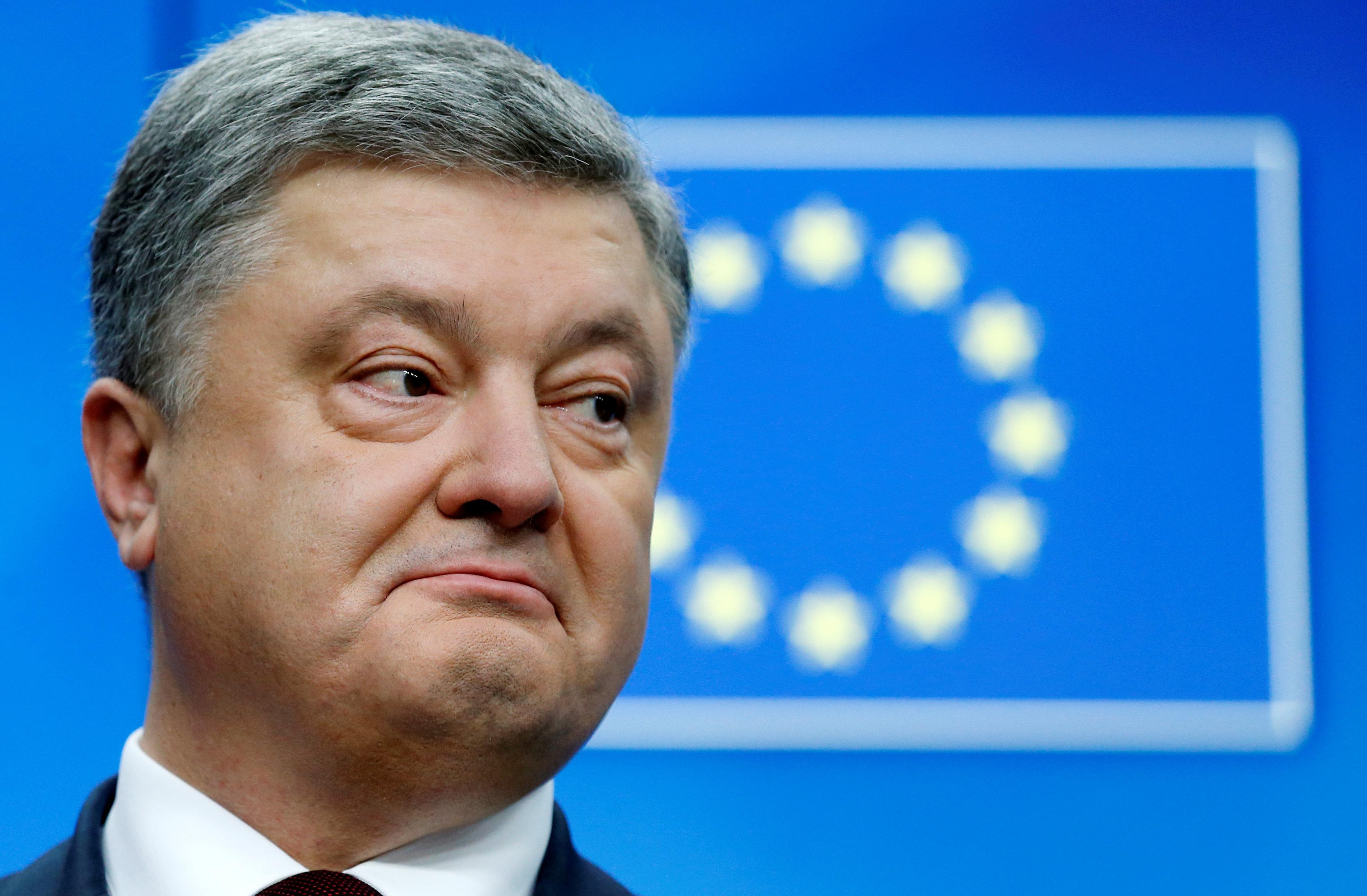 Петр Порошенко гордо заверял, что соглашение о безвизовом режиме Киев и Брюссель подпишут до 24 ноября...
