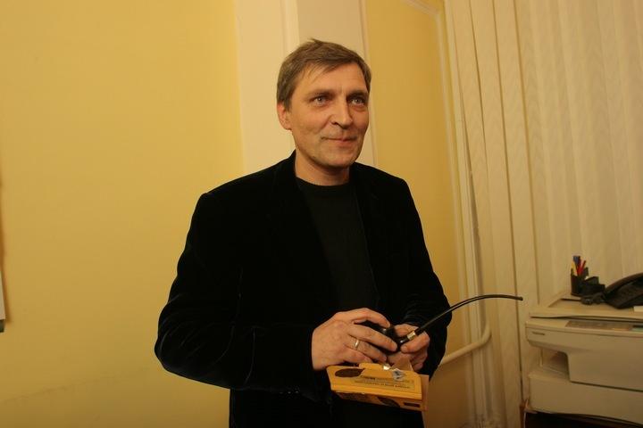 В восьмидесятые годы Александр Невзоров был одним из самых популярных в стране тележурналистов