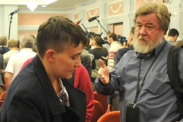 Этой осенью Савченко прилетала в Москву и согласилась дать интервью Николаю Варсегову, если он вновь придет на Донбас