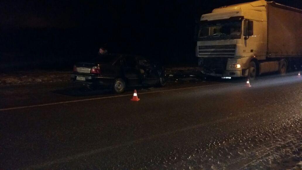 ДТП натрассе Екатеринбург— Тюмень: мать погибла, дочь доставлена вбольницу