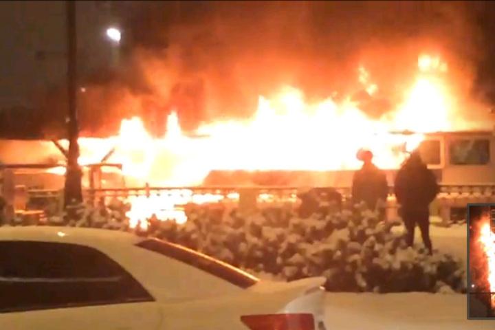 Нанабережной Макарова под утро потушили пожар напрогулочном катере