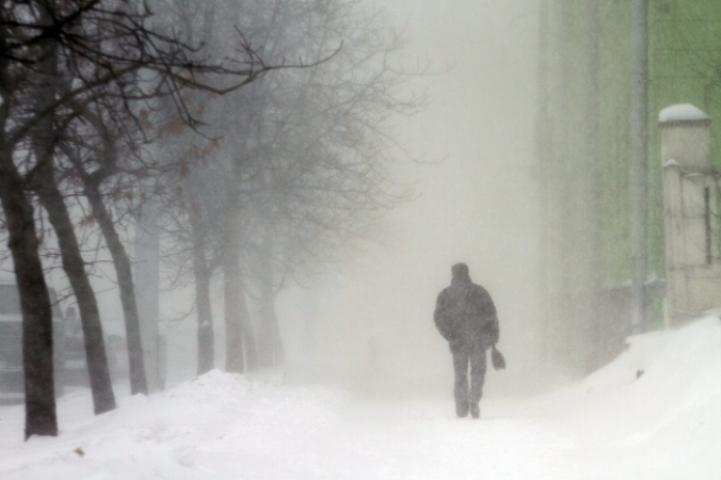 Снег исильный ветер ожидают томичей завтра