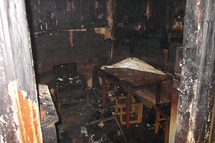 50-летний гражданин Устюжны задохнулся впожаре в своем доме