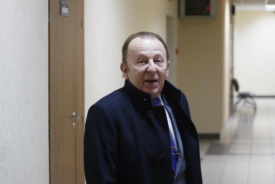Обвиняемому вполучении взятки депутату Нотягу продлили домашний арест