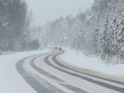 Сильный мороз в Югре: водителей просят не рисковать с 3 по 7 января