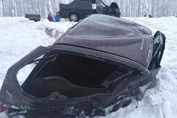 В Тамбовской области лоб в лоб столкнулись легковушки один человек ранен Одну из машин занесло