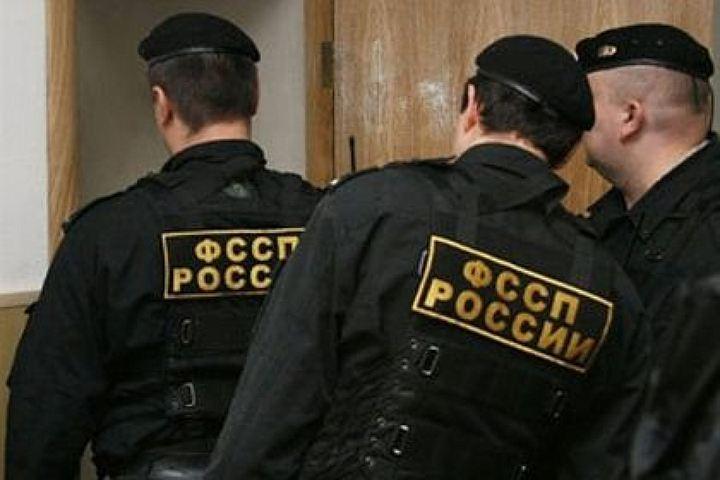 Судебные приставы выселили фиктивную супругу петербуржца иззахваченной еюквартиры