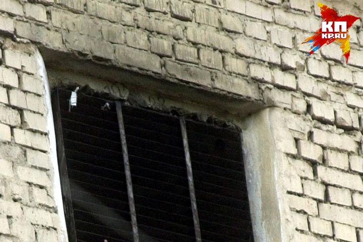 Двое брянцев избили иограбили мужчину вего квартире