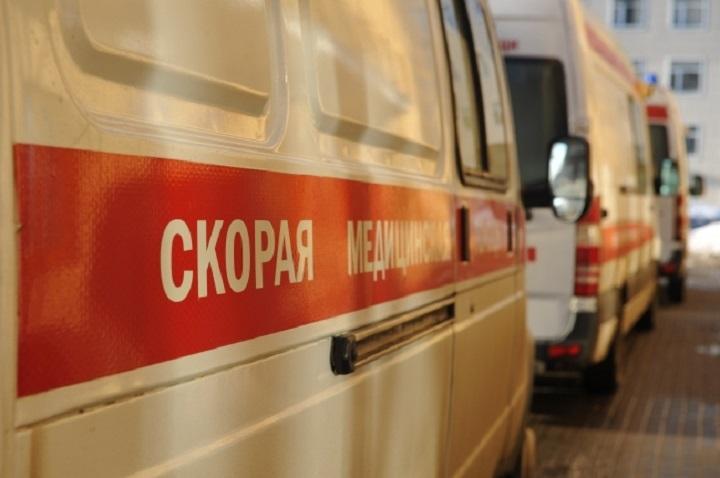 ВКазани шофёр «Лады» врезался встолб