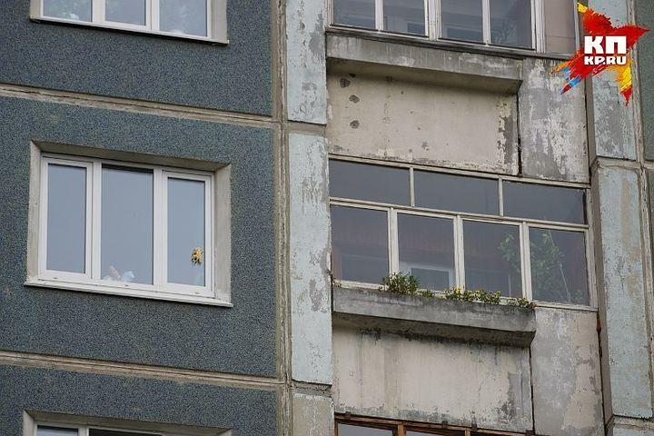 НаУрале маленькая девочка выпала с8-го этажа ивыжила