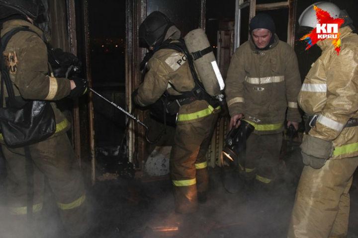 ВПетербурге наЧкаловском проспекте тушили пожар воднокомнатной квартире