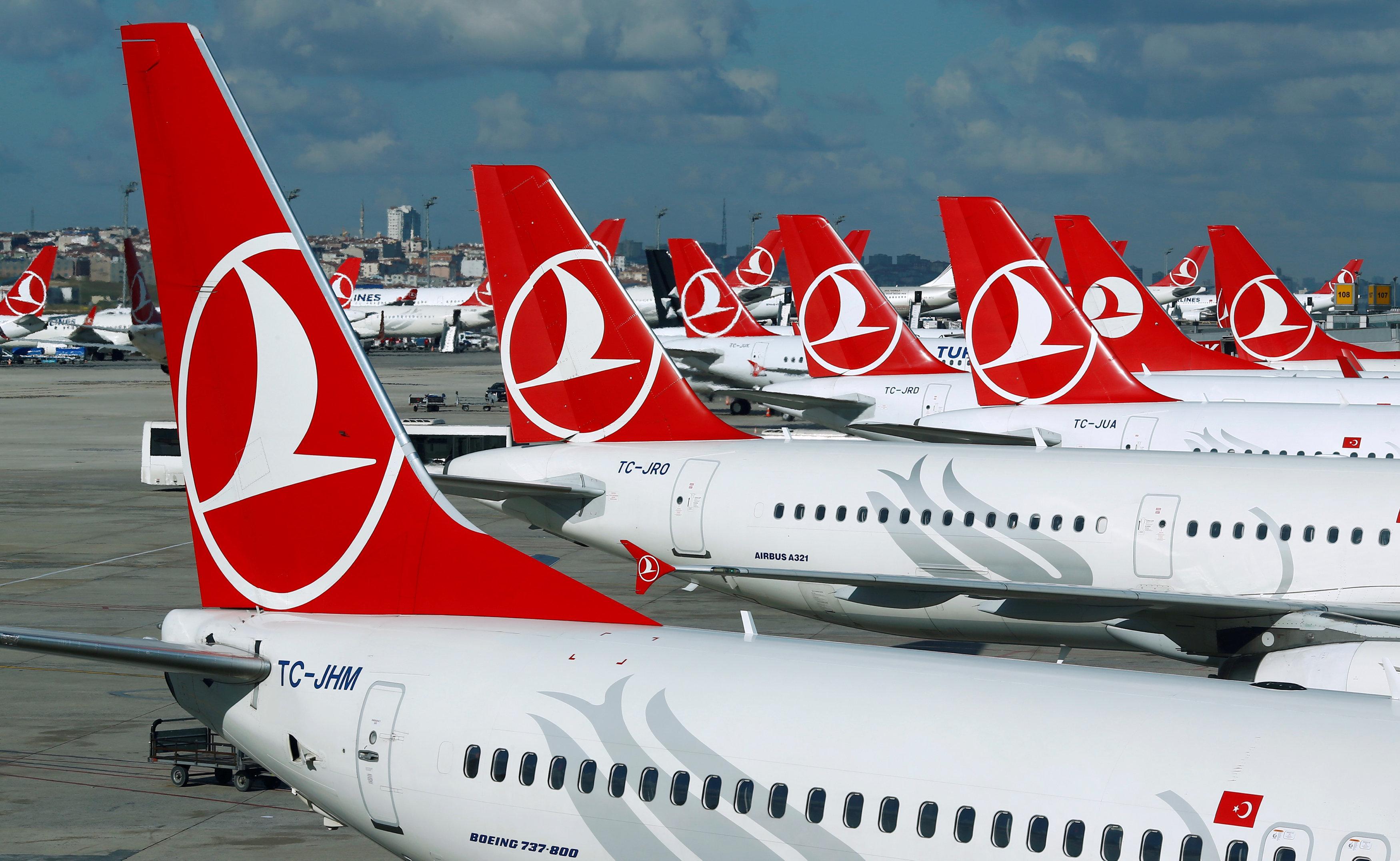 ВСтамбуле из-за угрозы взрыва эвакуировали пассажиров самолета