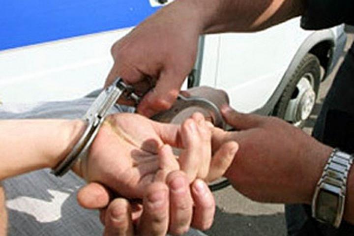 ВОрле мошенник похитил Mercedes наэвакуаторе