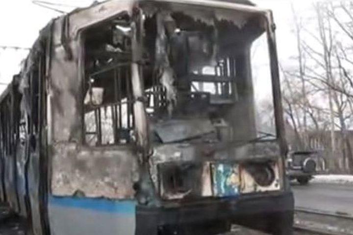 Трамвай спассажирами горел наСреднеохтинском проспекте