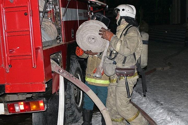 Пожар произошел встаром помещении наюге столицы