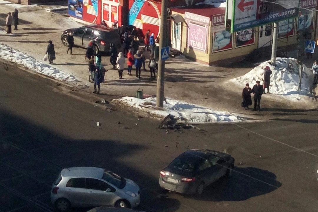 ВПерми джип вылетел натротуар исбил пешехода