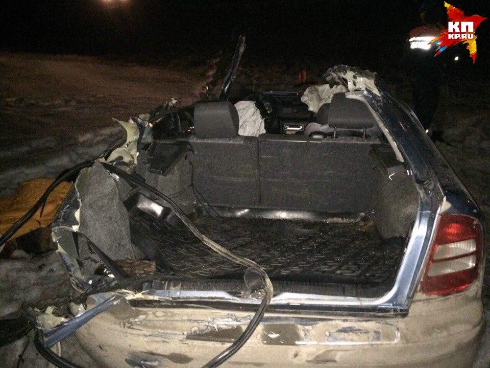 Шофёр иномарки умер вДТП скитайским грузовым автомобилем